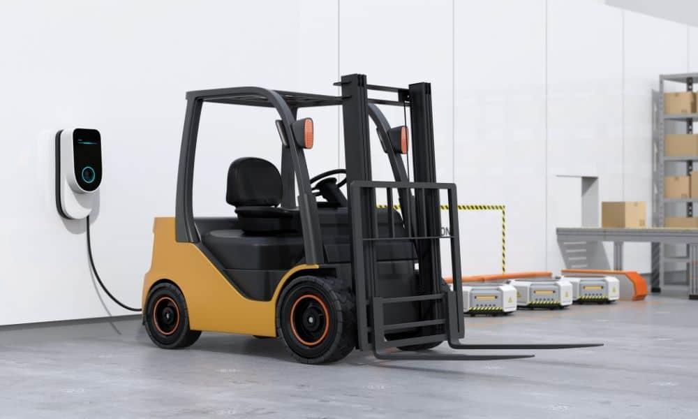 How Long Should a Forklift Battery Last?